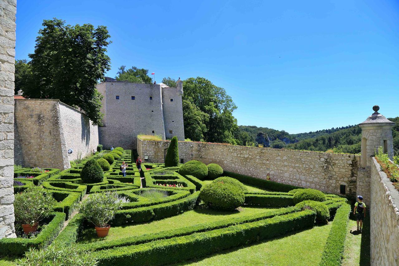 Zamek w Pieskowej Skale - ogród włoski