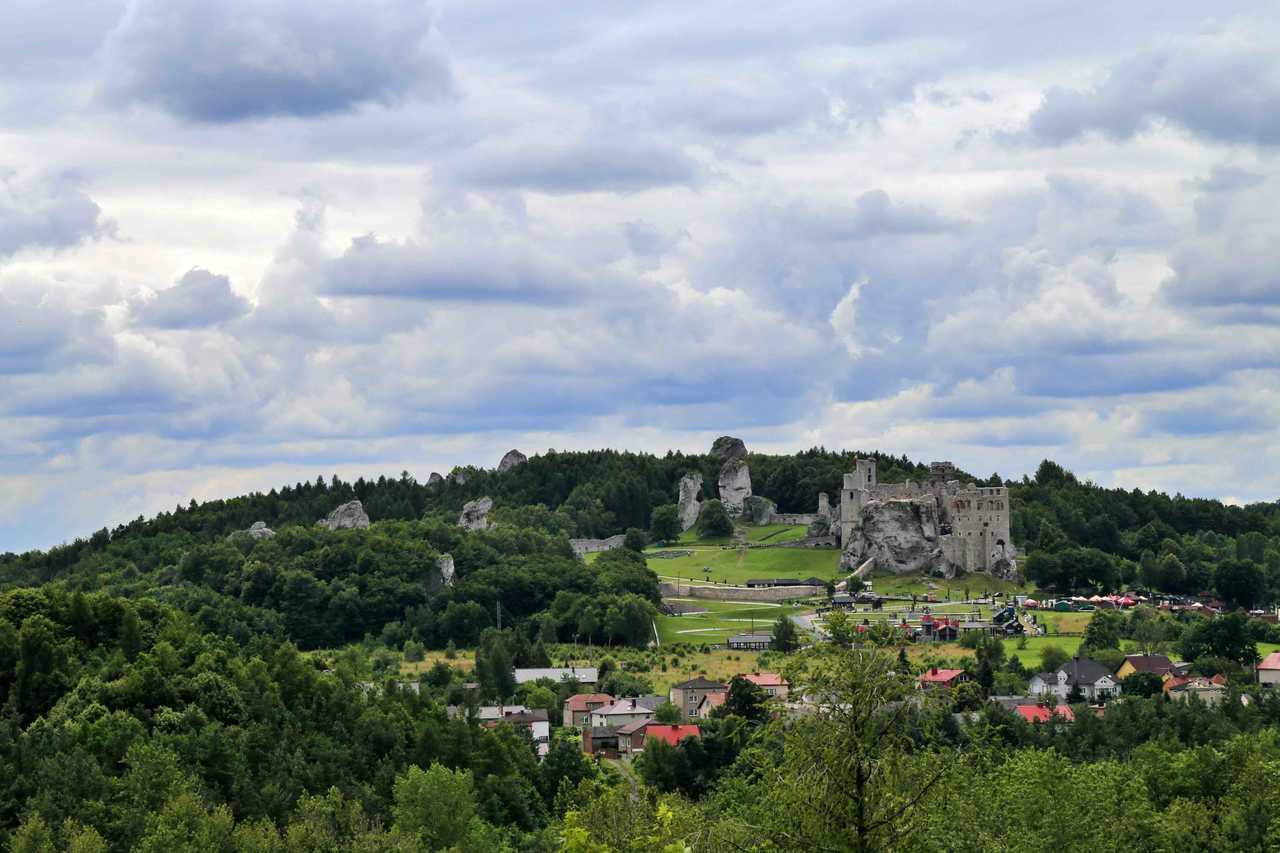 grodzisko na górze Birów - widok na Ogrodzieniec